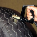 Prerezanie vodiacej alebo návesovej pneumatiky